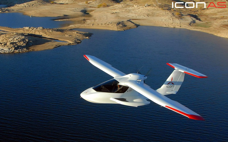 The Icon A5 is the amazing seaplane with folding wings we all want to have
