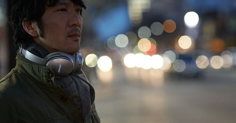 Wireless headsets are winning the game of wireless
