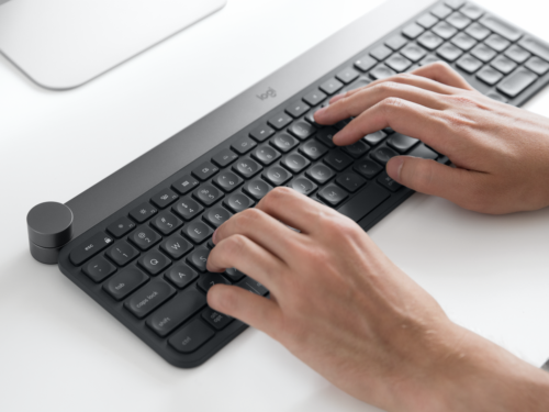 Logitech Craft is the keyboard with dial thought for the lovers of Photoshop